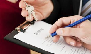 Wynajem mieszkania bez umowy – jakie są konsekwencje?