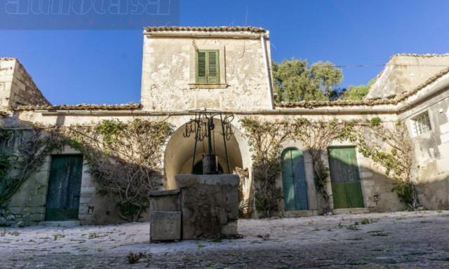 Działka na sprzedaż <span>Włochy, Ragusa</span>