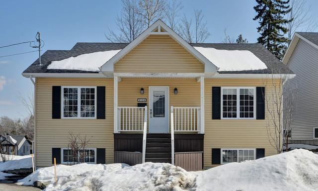Dom na sprzedaż <span>Kanada, Les Nations, 2126 Rue Emma, Les Nations, QC J1H0H1, CA</span>